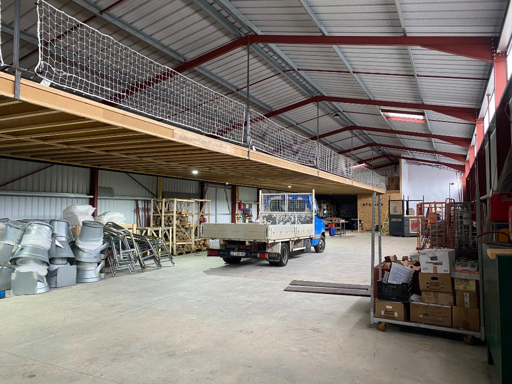 Local d\'activité - Echillais - 600 m2