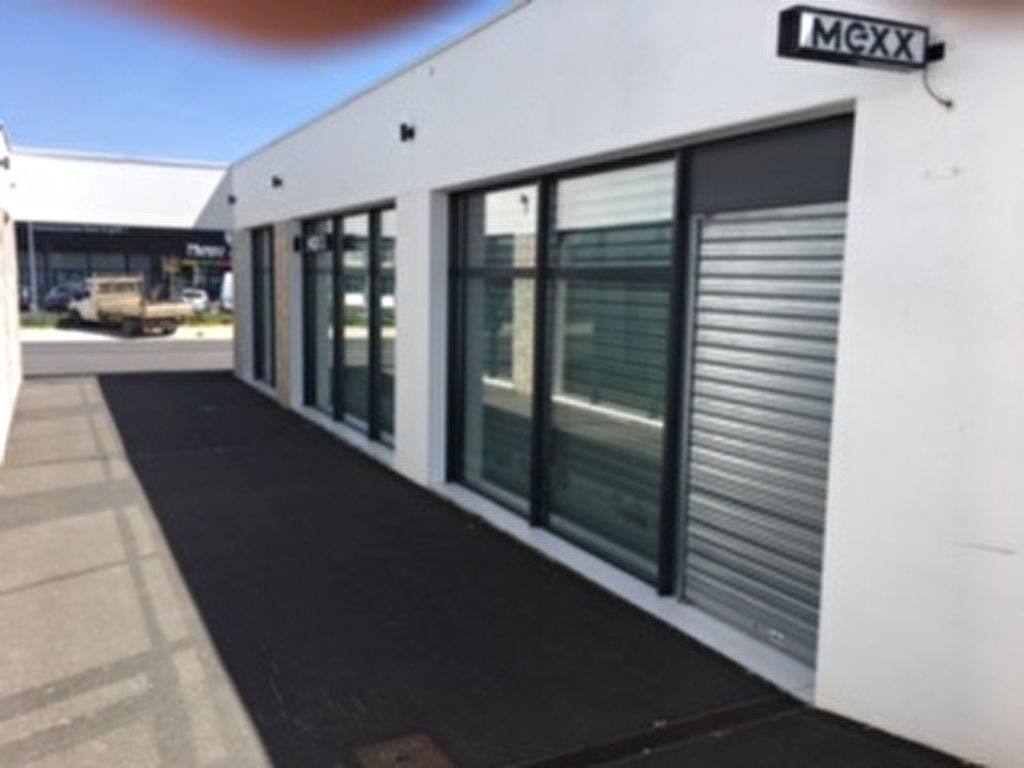 Local commercial - Angoulins - 270 m²