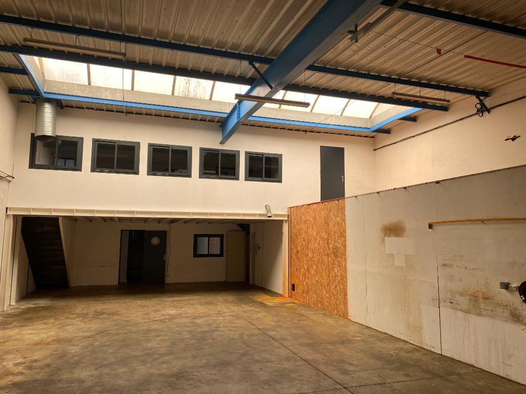 A louer Local d\'activité PERIGNY 335 m2